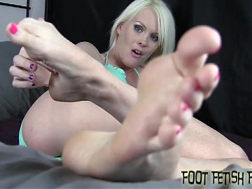 I need someone to clean my stinky feet