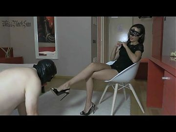 FOOT FETISH HUMILIATION